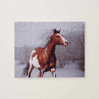 Pinte el rompecabezas de la nieve del caballo