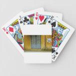 Pinte la pared de la peladura en la ruta 66 baraja cartas de poker