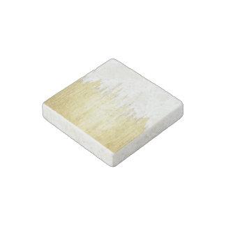Pinte los movimientos en falso oro imán de piedra