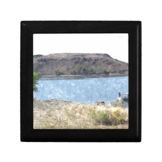 Pintura al óleo con el lago joyero cuadrado pequeño