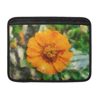 Pintura anaranjada de la flor fundas MacBook
