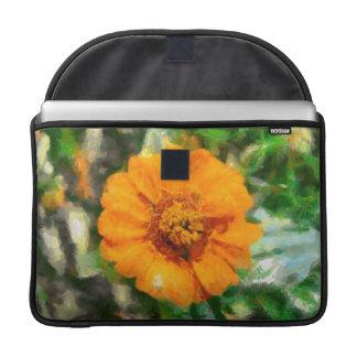 Pintura anaranjada de la flor fundas para macbook pro