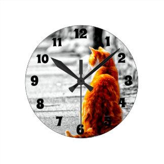 Pintura anaranjada teñida A-PAL del gato de Tabby  Reloj Redondo Mediano