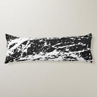 Pintura apenada blanco y negro apenada almohada de cuerpo entero