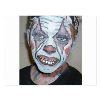 Pintura asustadiza de la cara del payaso de los pa tarjeta postal