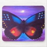 Pintura azul de la puesta del sol de la mariposa - alfombrillas de raton