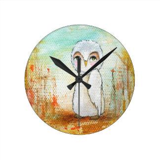 Pintura caprichosa del arte del búho del arbolado reloj redondo mediano