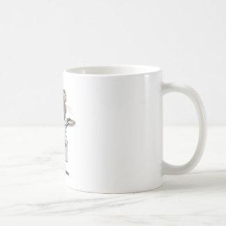 Pintura caprichosa del cepillo del artista del taza de café