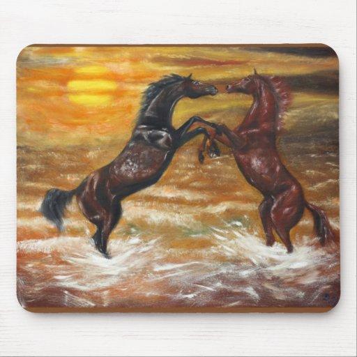 pintura de dos caballos tapetes de ratón