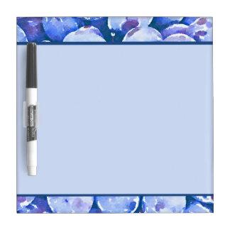 Pintura de la acuarela de ciruelos azules tablero blanco