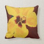 Pintura de la almohada hawaiana amarilla del hibis