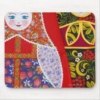 Pintura de la muñeca de Matryoshka del ruso Tapete De Ratón