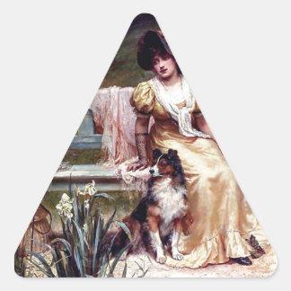 Pintura de la señora y de dos perros caseros pegatina triangular