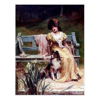 Pintura de la señora y de dos perros caseros tarjeta postal
