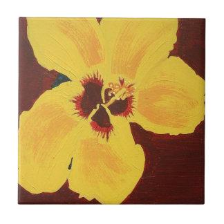 Pintura de la teja hawaiana amarilla del hibisco