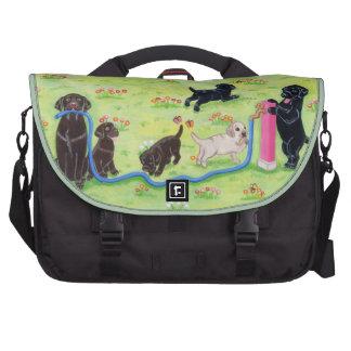 Pintura de Labradors de la diversión de la primave Bolsas De Ordenador