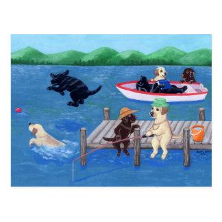 Pintura de Labradors de la diversión del lago Postal