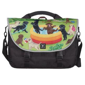 Pintura de Labradors de la diversión del verano Bolsas De Ordenador