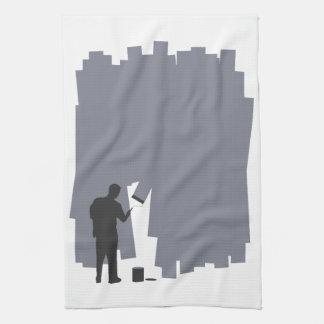 Pintura de una pared toalla de mano