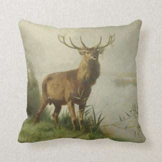 Pintura del ciervo común almohada