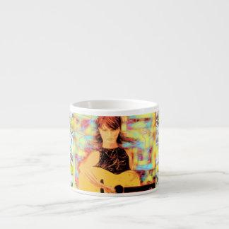 pintura del goteo del chica del folksinger tazitas espresso