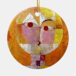 Pintura del Senecio de Paul Klee Adorno Navideño Redondo De Cerámica