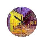Pintura impresionista del café de Van Gogh Reloj De Pared