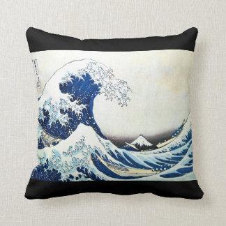 """Pintura japonesa """"de la gran onda"""" por Hokusai Cojín"""