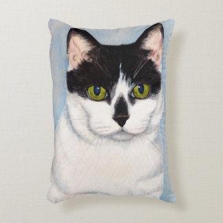 Pintura negra y blanca de ojos verdes del gato cojín decorativo