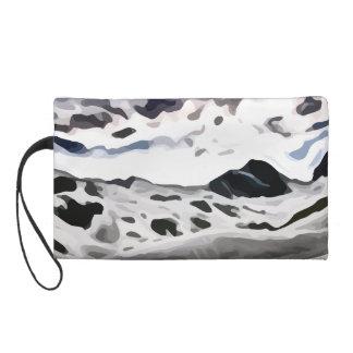 pintura nevosa de la montaña del cielo nublado