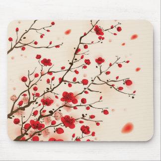 Pintura oriental del estilo, flor del ciruelo en p mousepads