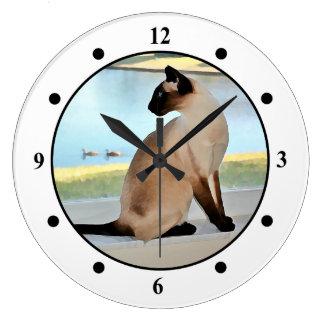 Pintura pacífica del gato siamés reloj redondo grande
