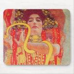 Pintura roja de la serpiente del oro de la mujer d alfombrilla de raton