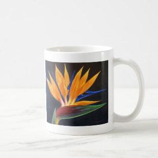 Pintura tropical de la flor de la ave del paraíso taza clásica