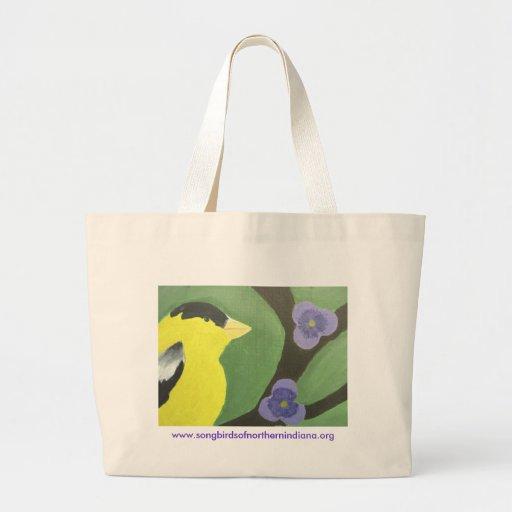 Pinzón del oro con las violetas bolsas