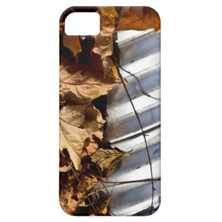 Pipe and Fall Leaves iPhone SE/5/5s Case