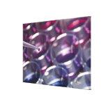 Pipeta y placas de Petri con los líquidos Impresión En Lona