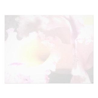 Pique el tacto de A de las flores violetas Membrete Personalizado