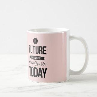 Pique la cita inspirada futura taza clásica