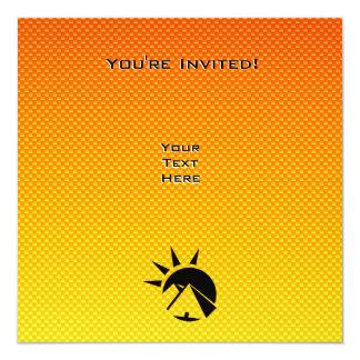 """Pirámide amarillo-naranja invitación 5.25"""" x 5.25"""""""
