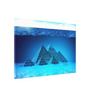 Pirámide bajo imagen digital del ejemplo del mar impresiones de lienzo