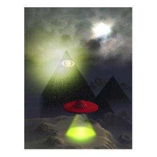 Pirámide de Illuminati y postal del UFO