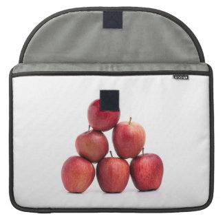Pirámide de las manzanas red delicious funda para macbook pro