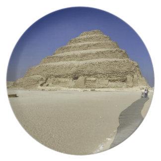 Pirámide del paso en Saqqara, uno del más temprana Platos