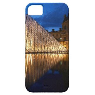 Pirámide en el museo del Louvre, París, Francia iPhone 5 Case-Mate Funda