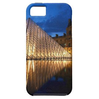Pirámide en el museo del Louvre, París, Francia Funda Para iPhone SE/5/5s