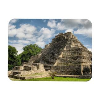 Pirámide maya imán rectangular