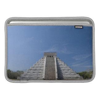 Pirámide maya, mañana en marzo fundas macbook air