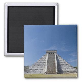 Pirámide maya, mañana en marzo imán cuadrado