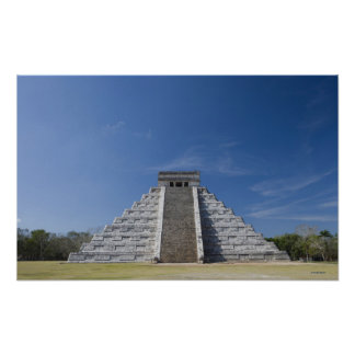 Pirámide maya, mañana en marzo posters
